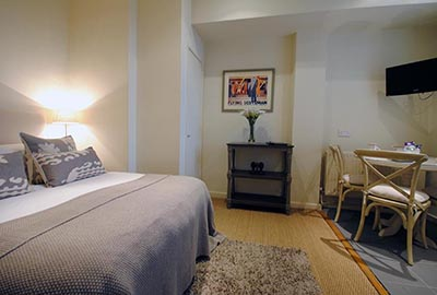 Apartments for three or four in Bayswater, London