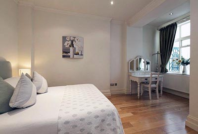 Apartments for five or more in Bayswater, London